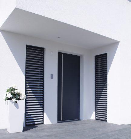Elegant, dekorativer Hauseingang