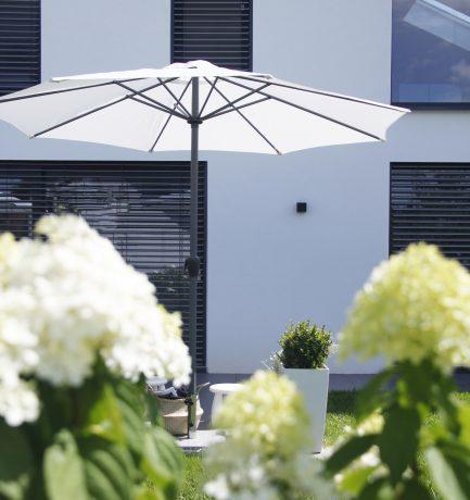 Ein Wohnzimmer im Freien: Draußen stilvoll relaxen