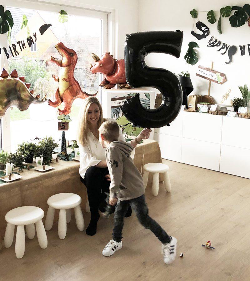 Dinosaurier-Alarm | Tom's 5. Geburtstag
