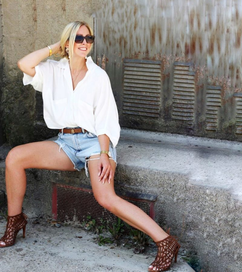 Summer ON | White, Jeans & Gold