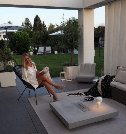 Abendstimmung im Garten | Stilvoller Loungebereich